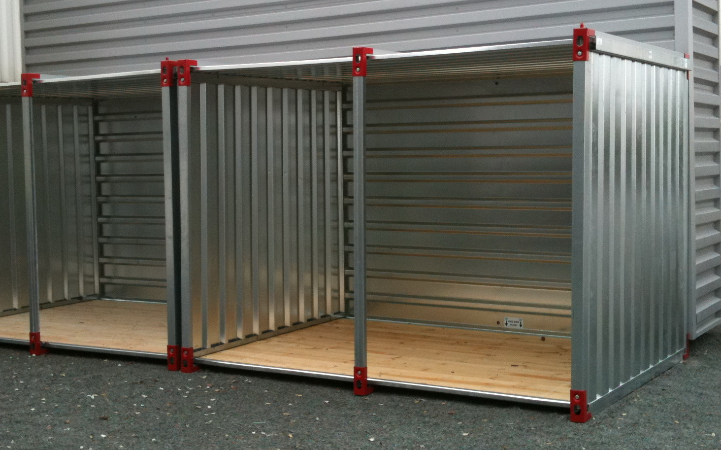 Kovobel le container de stockage demontable abri for Autoconstruction maison container